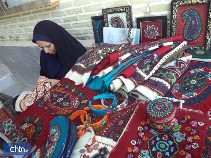 برگزاری چهارمین ماه بازار صنایع دستی در میدان خان بافق