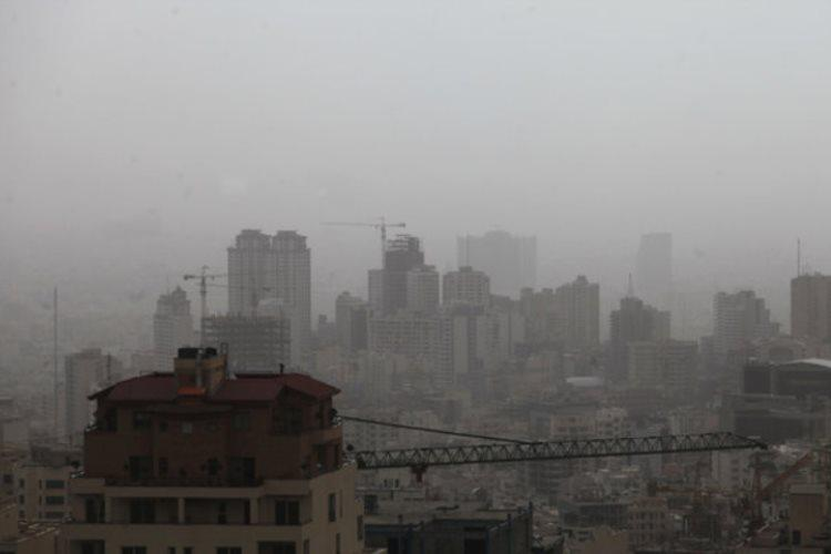 آلودگی هوای تهران عمق دید را هفتاد درصد کاهش داده