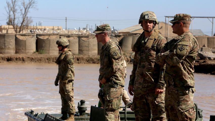 وال استریت ژورنال: آمریکا یک سوم نیروهایش را از عراق خارج می نماید