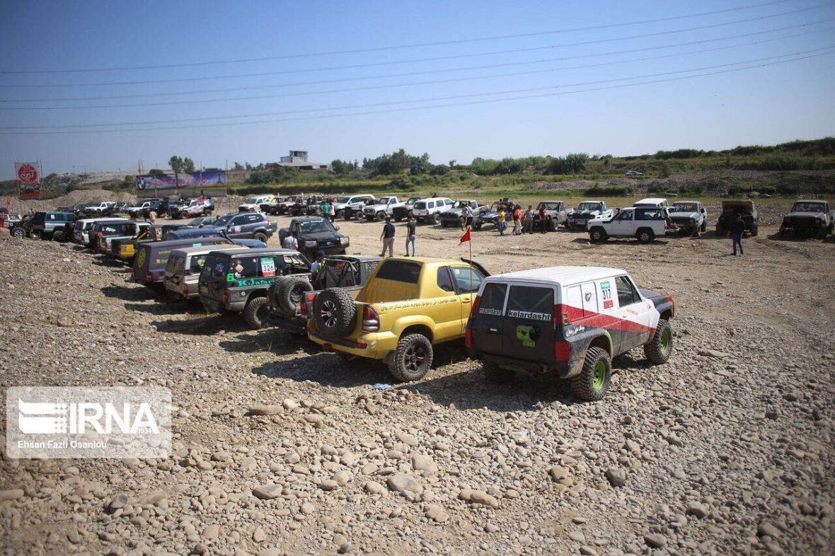 خبرنگاران پرونده تخلف برای آفرود سواران مُخرب محیط زیست اصفهان تشکیل می گردد